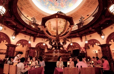 disney_copyright_restaurant2
